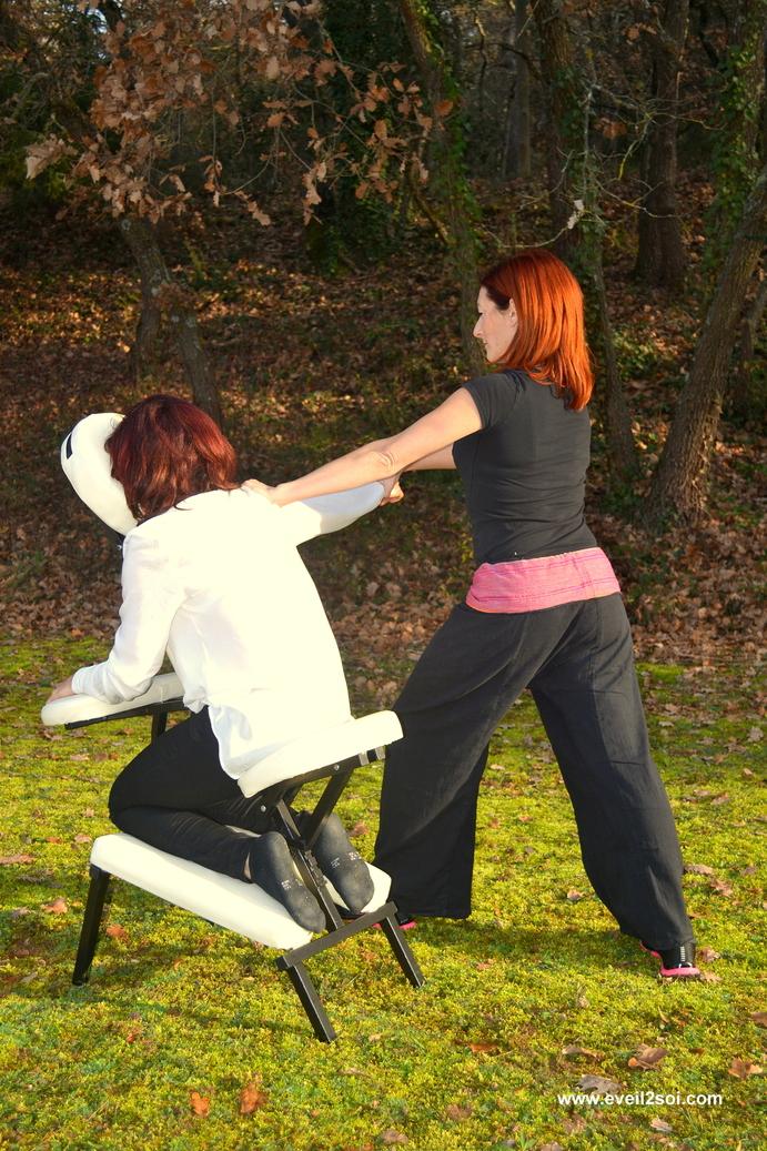 Massage amma assis femme